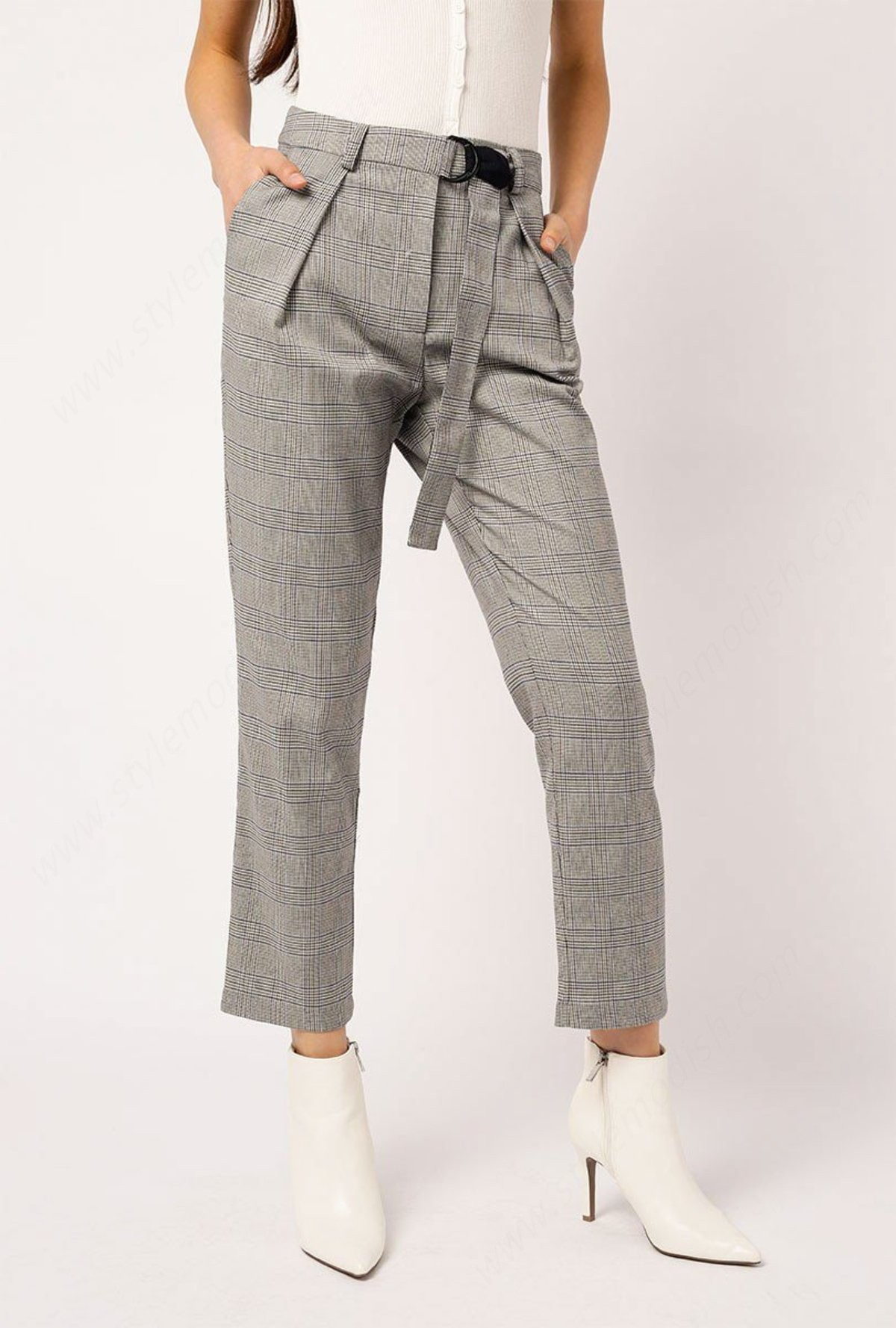 Lady's Azalea Belted Plaid Pants - -0